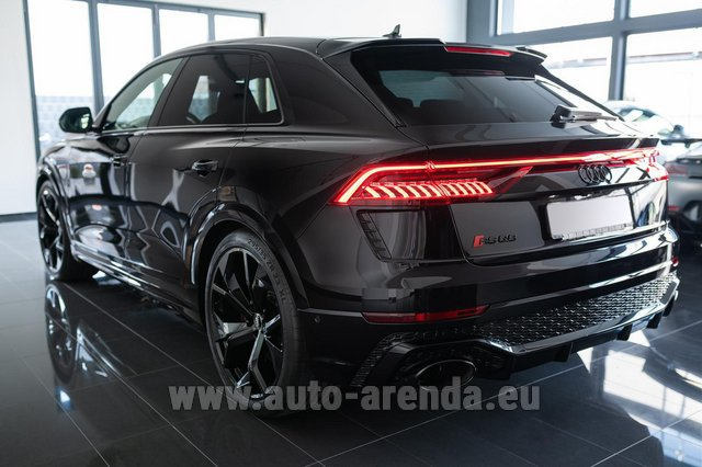 Rental Audi RS Q8 in Luxembourg City