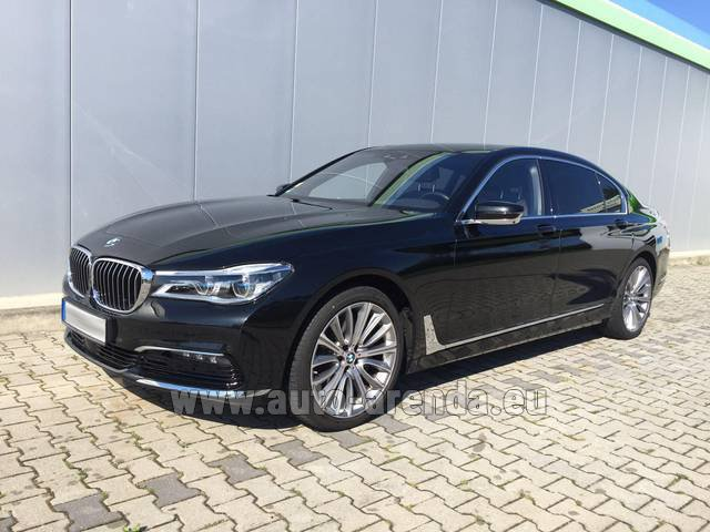 Rental BMW 740 Lang xDrive M Sportpaket Executive Lounge in Differdange