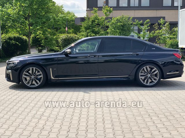 Rental BMW M760Li xDrive V12 in Luxembourg City