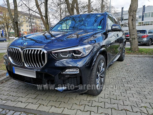 Rental BMW X5 xDrive 30d in Luxembourg