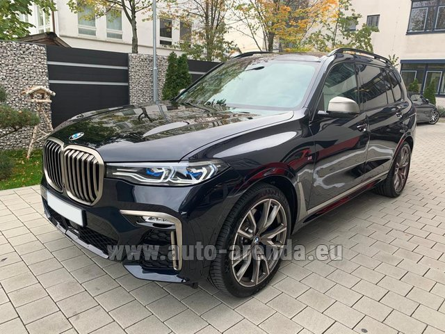 Rental BMW X7 M50d in Luxembourg