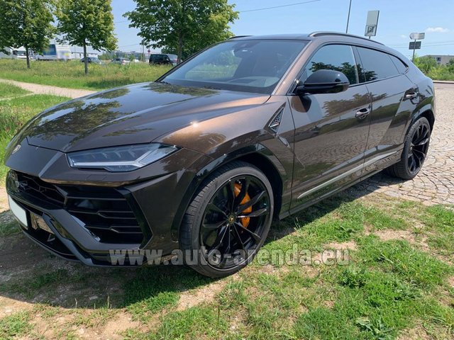 Hire and delivery to Luxembourg Findel Airport the car Lamborghini Urus