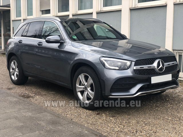 Rental Mercedes-Benz GLC 220d 4MATIC AMG equipment in Diekirch