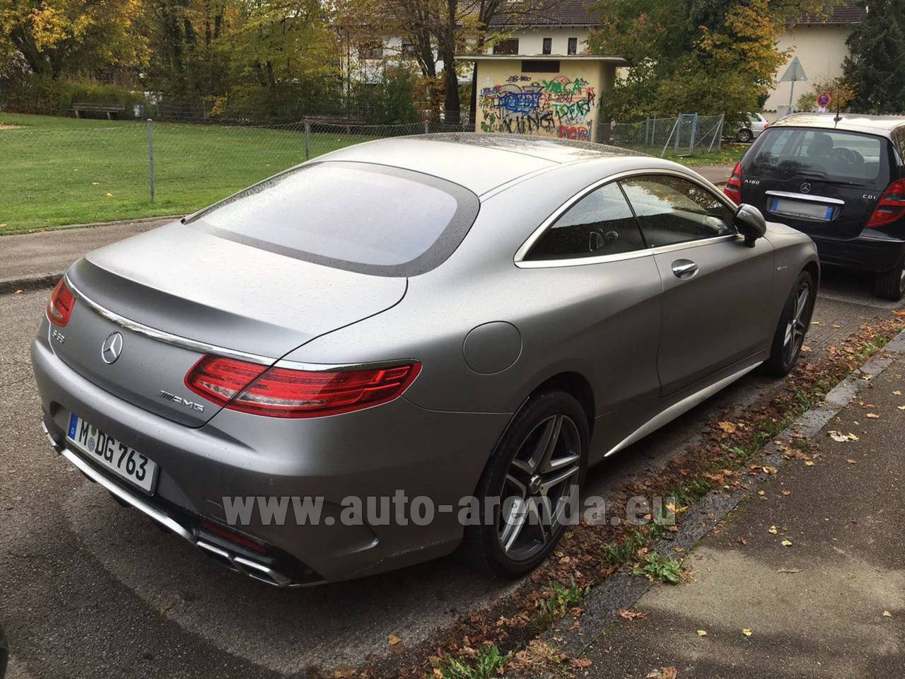 Luxembourg mercedes benz s class s63 amg coupe rental for Mercedes benz rental prices