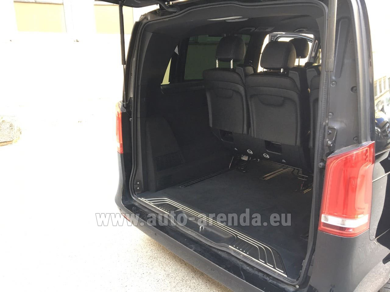 rent mercedes benz v class v 250 diesel long 8 seats in esch sur alzette. Black Bedroom Furniture Sets. Home Design Ideas