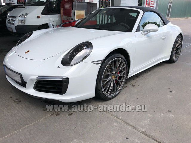 Rental Porsche 911 Carrera 4S Cabrio White in Differdange
